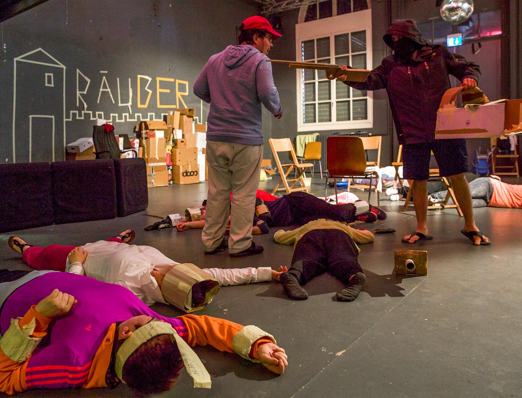 Aus der Aufführung zum Stück: Die Räuber