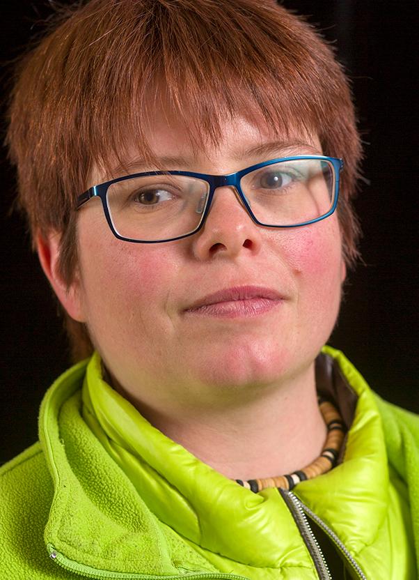 Sara Hess führt Regie bei dem Stück «Über Leben auf der Strasse»